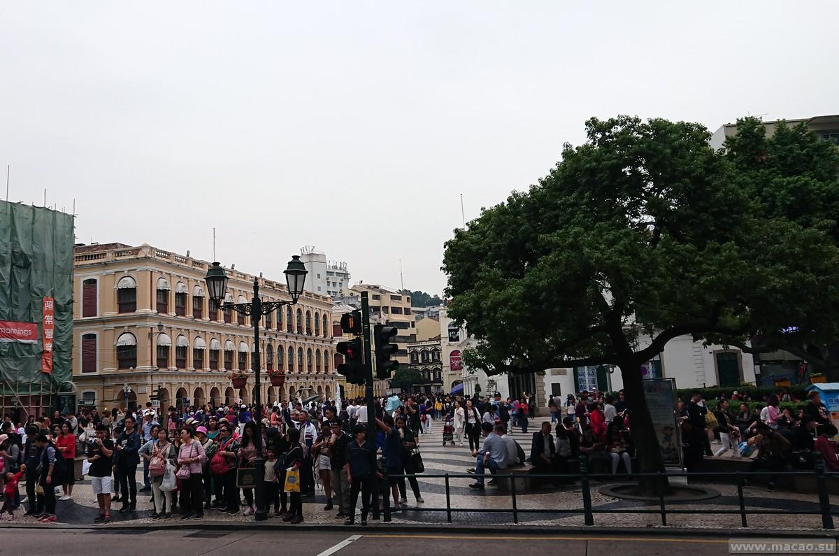 Вид на Senado square