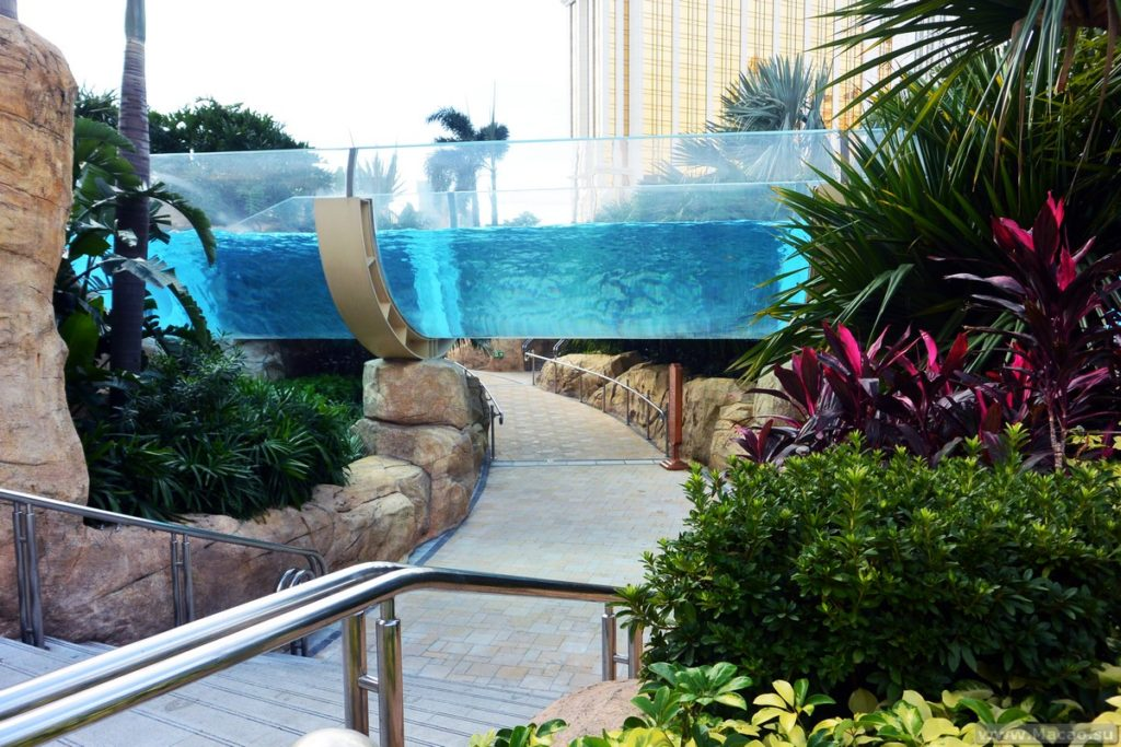 Lazy river - Grand resort deck Macau