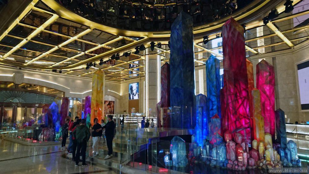 Шоу танцующих кристаллов в Макао
